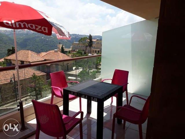 Suitenes deir el qamar(4 suite/4 guests 0.1mile DT