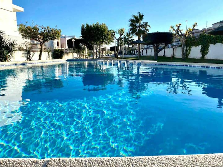 Beautiful big house in Villamartin with 3 bedrooms