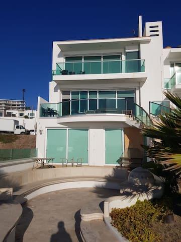 Ocean Front Beach House Tijuana-Rosarito