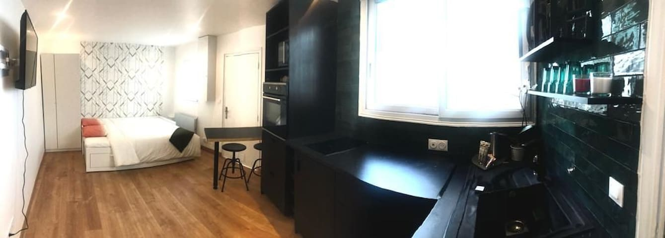 Studio 17 - freshly renovated - close to metro