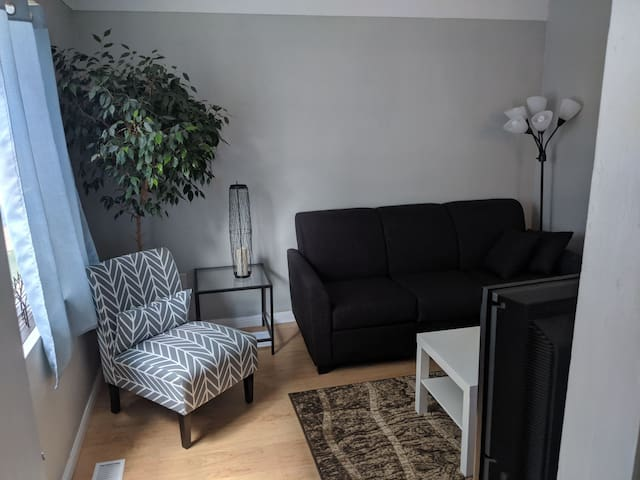 The Hunter Hotel- 1 Bedroom in A+ Location!