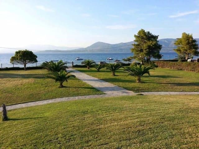 Sea Front Villa Agios Konstantinos - Agios Konstantinos - Villa