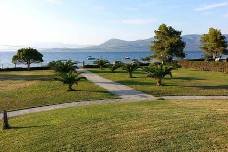 Sea Front Villa Agios Konstantinos - Agios Konstantinos