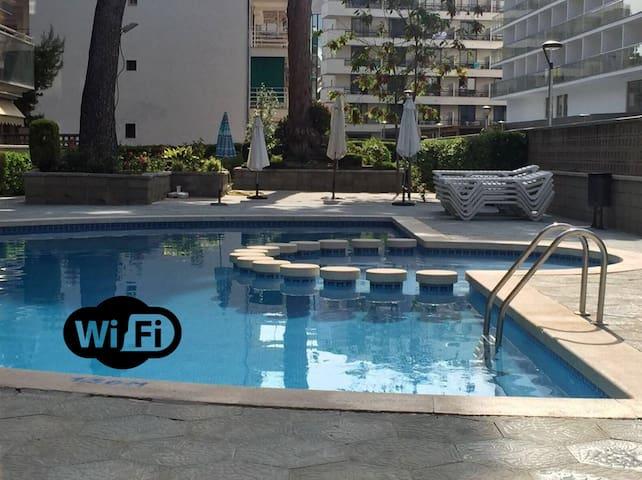 Apartamento centrico y con piscina a 5 min. playa