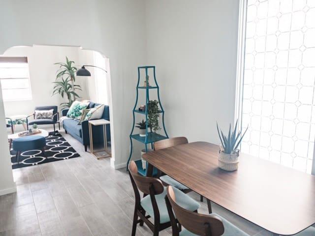 Beautifully Designed Yucca House *Brand New AC*