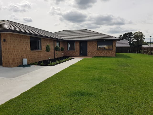 Nice new brick and tile warm home in River Terrce