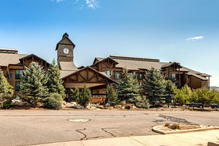 Mountain Views - The Lodge at Stillwater