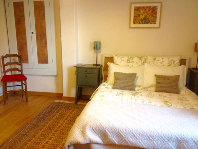 'Elelta' B&B in Najac, Room 2 - Najac