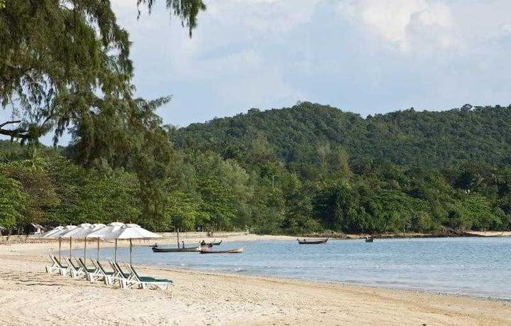 Entire Double Club Premium At Klong Muang Beach