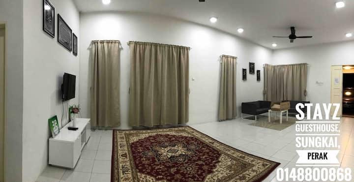 Stayz Guesthouse, Sungkai, Perak
