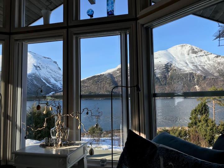Flott sjøhytte i Ytre Vågland - Bittebo