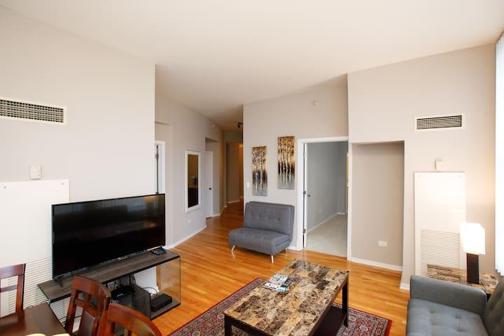 Loop / Grant Park -2  Bedrooms 2 bathrooms 1204