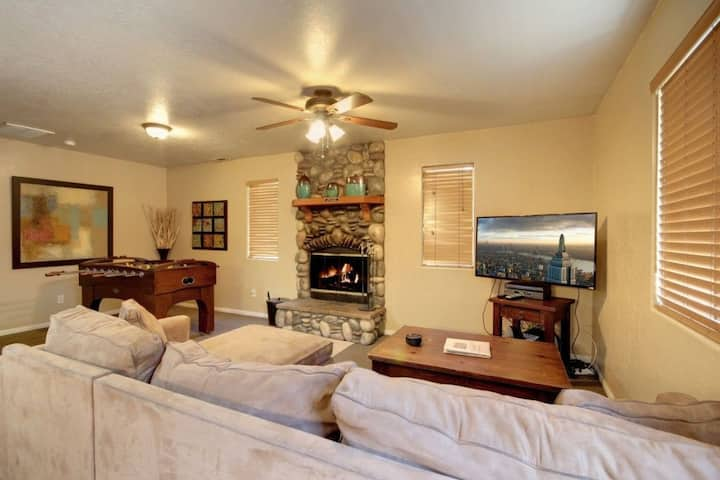 6 BD 1 BA Perfect Location Big Bear Lake & Village