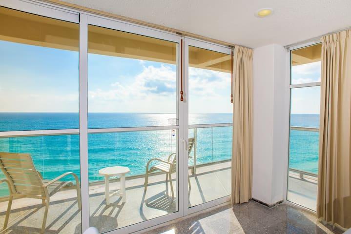 Stunning!! Beachfront 2BRM Condo on Cancun Beach!!