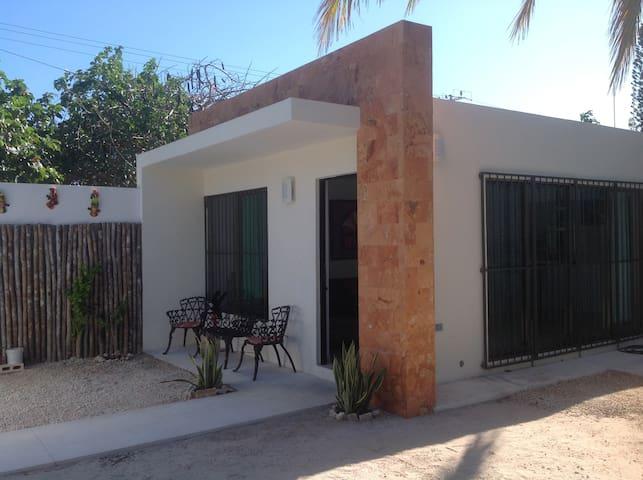 Progreso Beach, Casita with Pool - Progreso - House