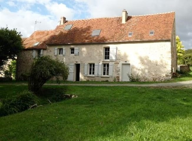 Countryside house 1h15 from Paris