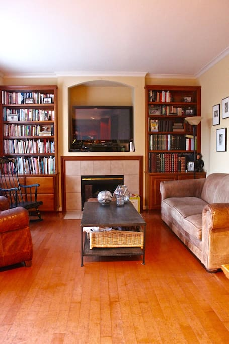TV Room - Family Games & Books + Rent Movies OnDemand