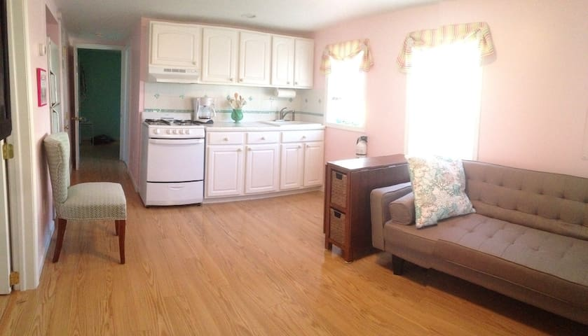 Cozy getaway, 1st floor Apt. - close to everything - Ocean City - Apartamento