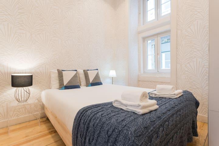 Bedroom 2: Double bed, 140x200 cm