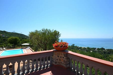 Traditional Villa with Pool and Veautiful Sea View - Vibonati - Willa
