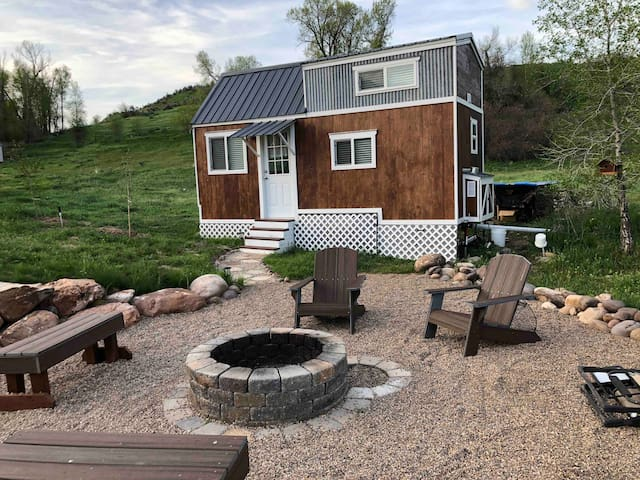 "Tiny House-""Luci's Little Loft"" Mountain Green, UT"