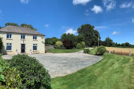 NEWLY UPDATED FARM HOUSE JUST 15 MINS GOREY