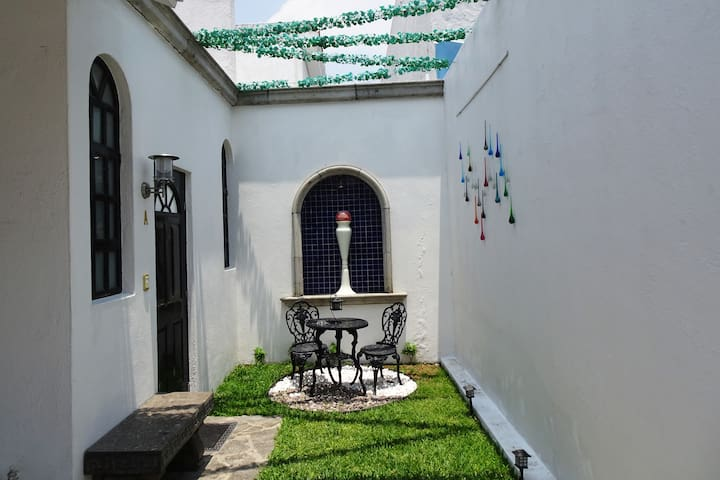 A beautiful place to stay in a VIP zone in GDL.