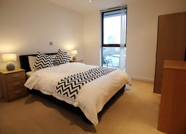*Modern Quayside 1-bed, /w Parking, MediaCityUK