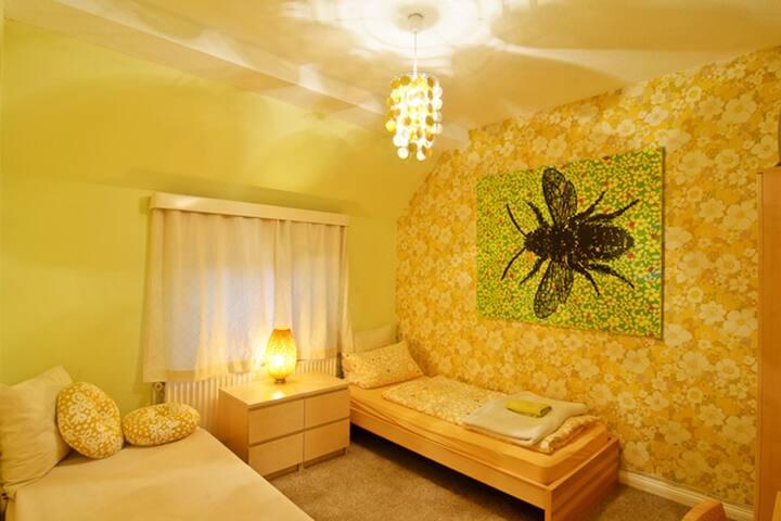 Gästehaus ARTE|P|73 Zimmer/room Gelb