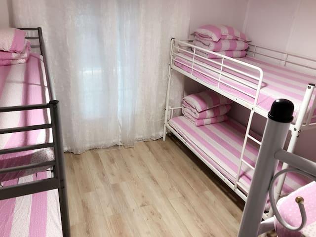6 bed room )J