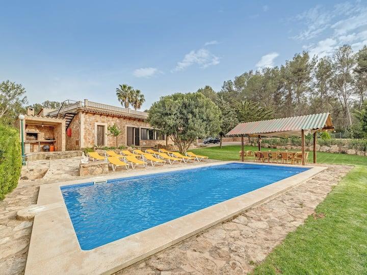 Spacious villa with pool – Villa El Bosque