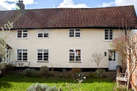 2 rooms &Breakfast in Devon cottage - Woodbury