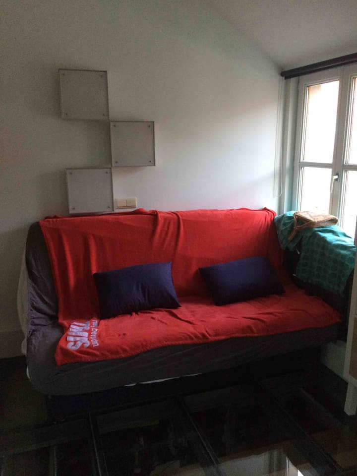 logeerkamer, zetel / bed