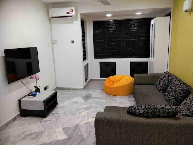 Cozy & Spacious Home 2 bedrooms/2 bathrooms