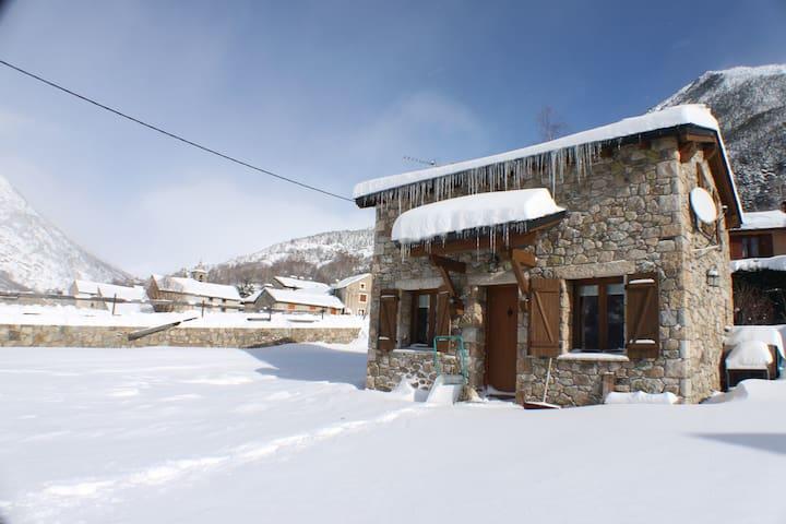 Chalet 2 hab. PORTA - Porta - House