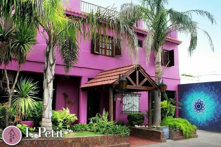 Hotel familiar muy buena ubicación - San Nicolás de Los Arroyos - Bed & Breakfast