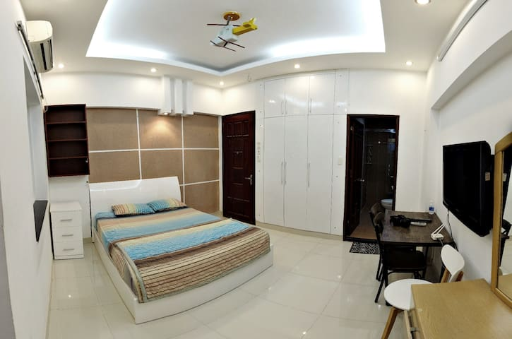Serviced One Bedroom Apartment near district 1