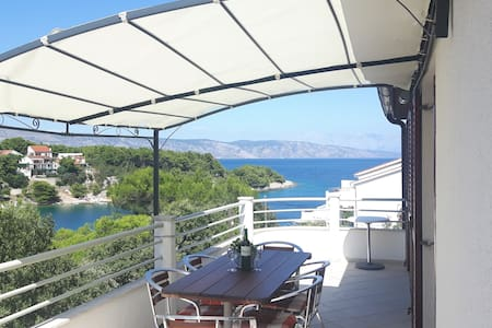 Modern apartment with the sea view - Vrboska