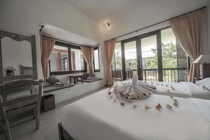 Sanur Private room with balcony with kitchen