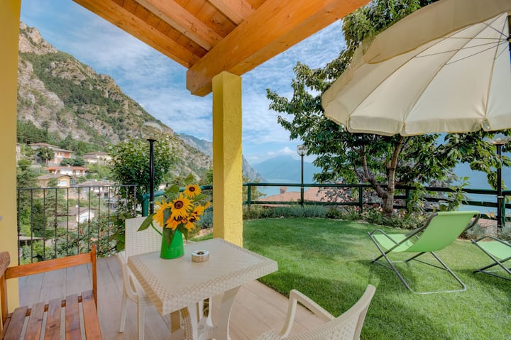 Mountain and lake panorama - Apartment Giada