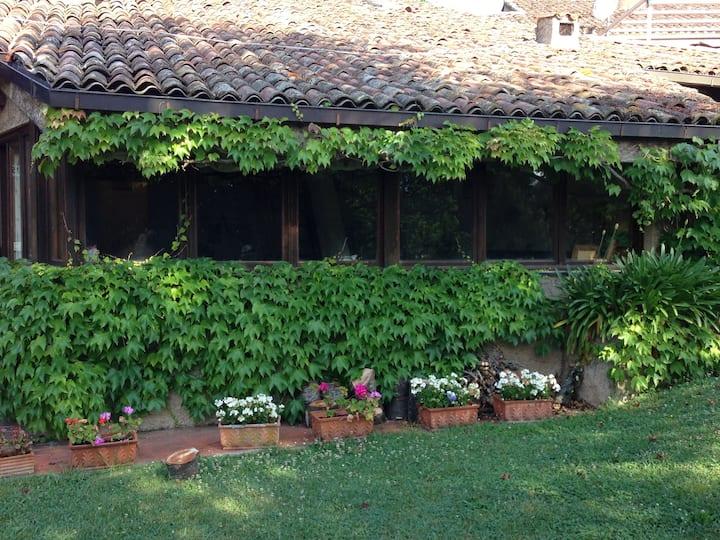 Casa con giardino nel silenzio del campo da Golf