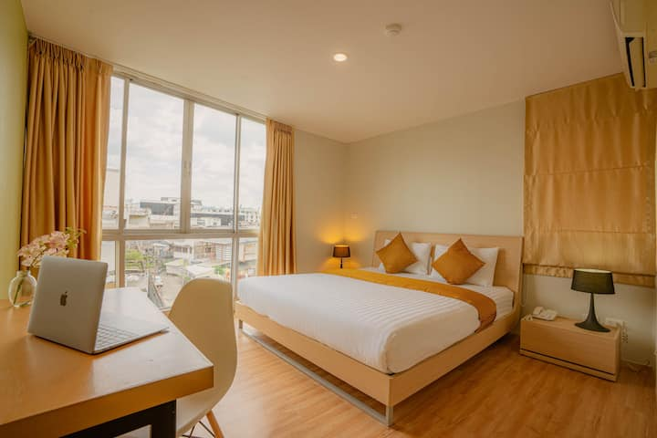 Monthly/Suite Room near UN Office+Wifi+Gym