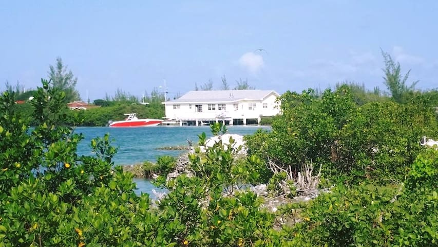 Sweeting's Cay Lodge