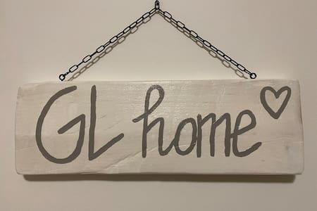 """"""" GL home"""" a soli 3 min.dall'uscita Prato Ovest."""