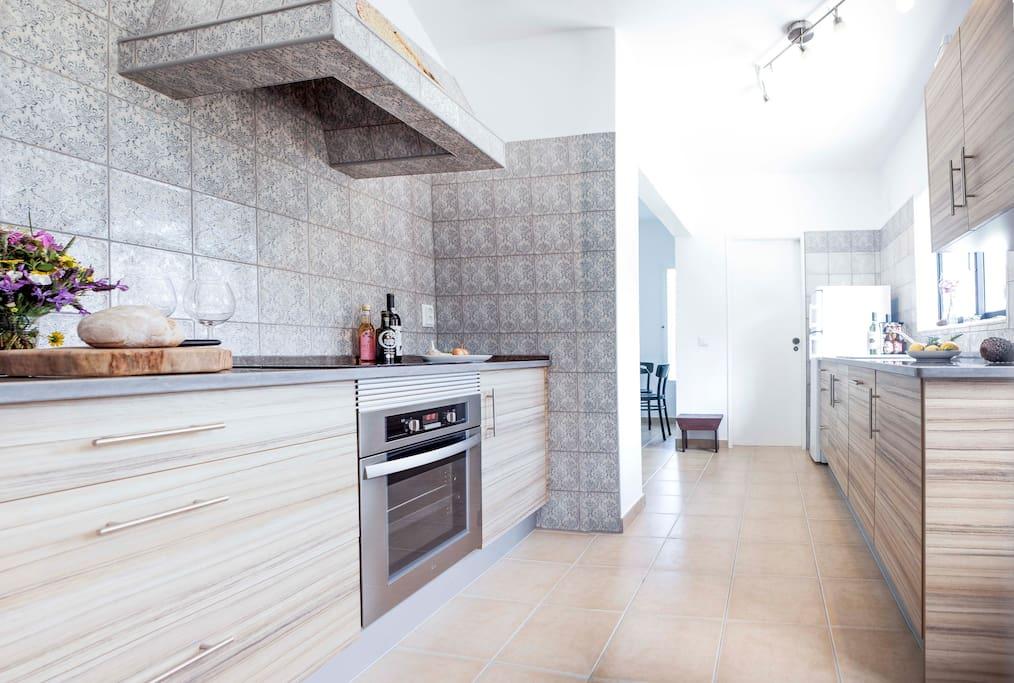 Küche gesamt/Kitchen