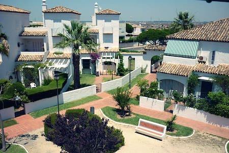 Apartamento  Costa Santi-Petri. Pueblo marinero - Poblado Sancti Petri