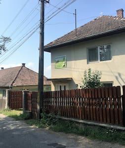 Hostel Farkaslaka