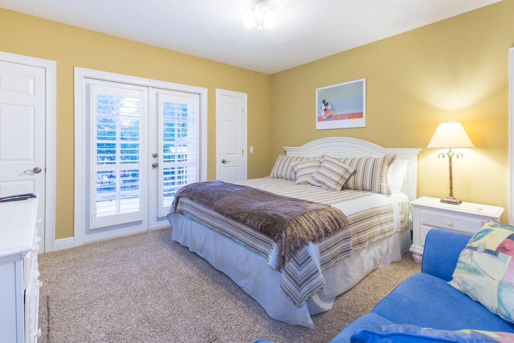 King size Guest bedroom