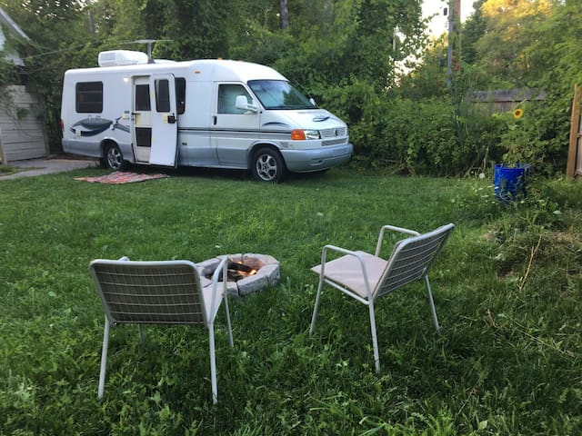 RV for 3, fenced yard, shower,toilet,electric,a/c
