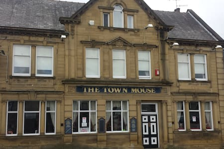 The Town Mouse. Pub/B+B - Burnley